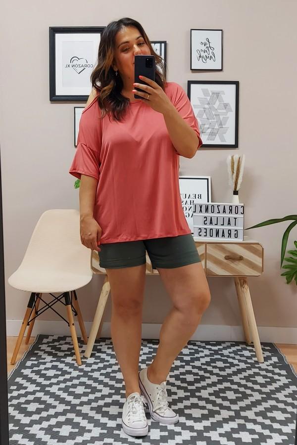 Camiseta Hombro Coral Suave
