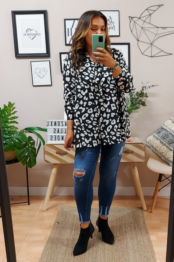 Camisa Shena Negra Plus